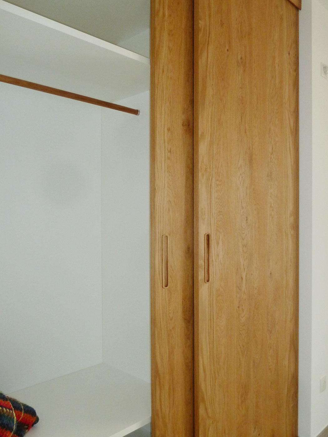 einbauschrank mit schiebet ren neue schreinerei. Black Bedroom Furniture Sets. Home Design Ideas
